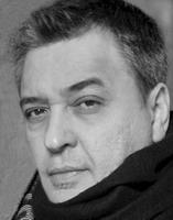 馬若龍(Carlos Marreiros ) 教授 著名建築師及城市規劃師,MAA馬若龍建築師事務所有限公司及東西設計工程有限公司董事。